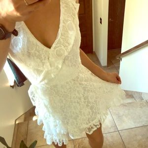 Small Charlotte Russe White Floral Dress 👗🔥